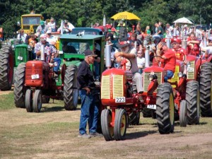 tractor parade lineup