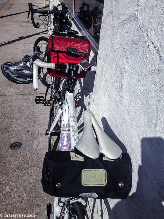 road bike stop for ice cream